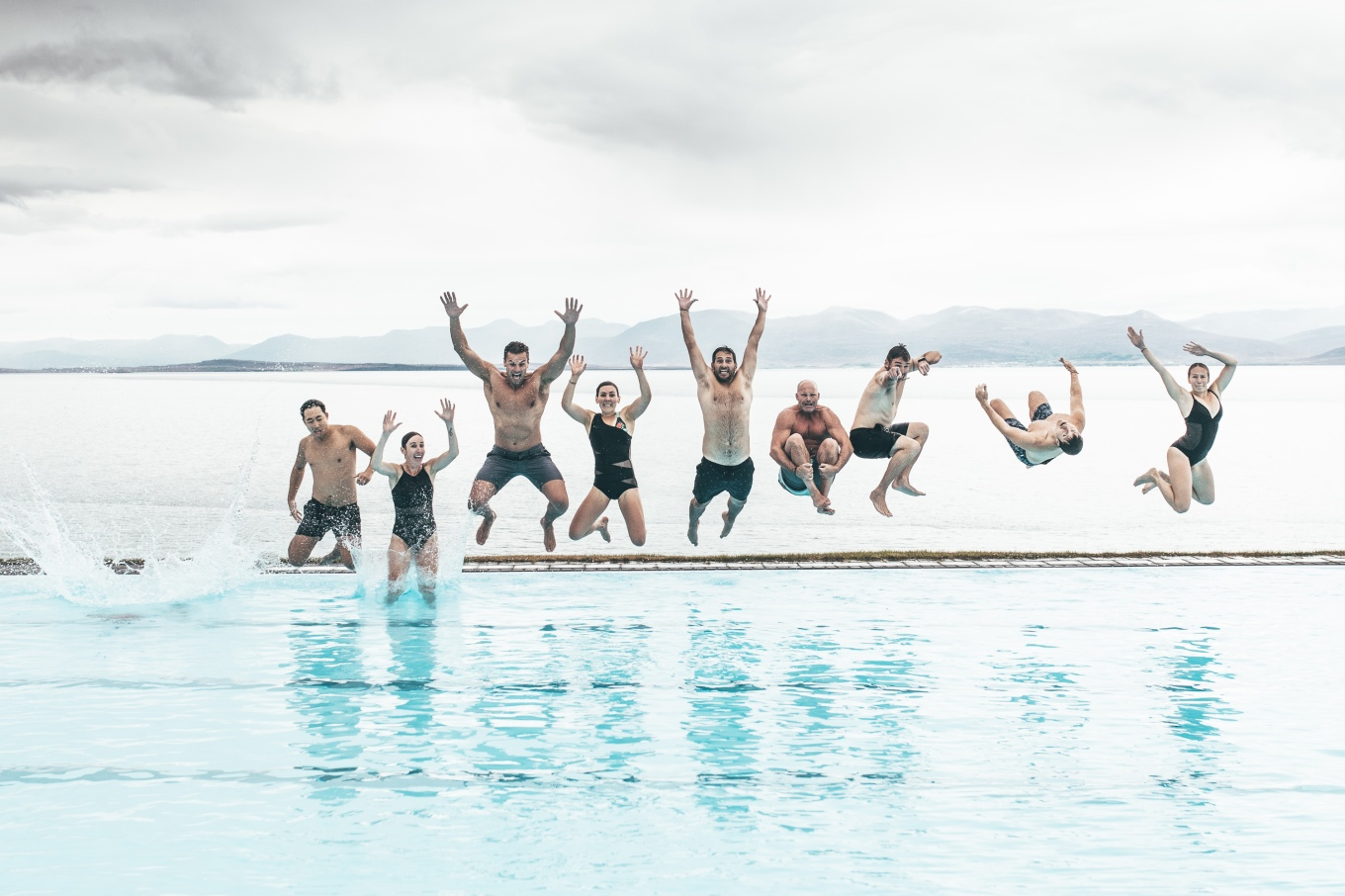 Chosen_Iceland2017_swimming-61